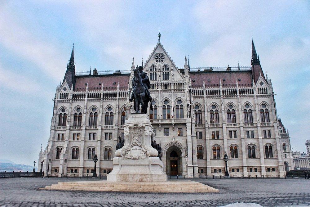lifesthayle-budapest-parliament.JPG