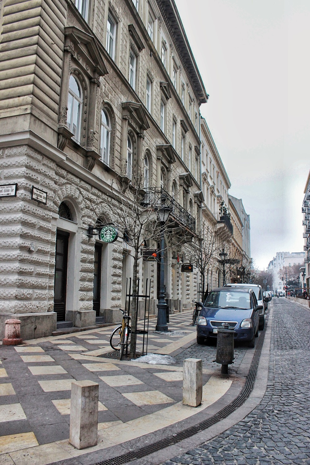 lifesthayle-budapest-streets.JPG