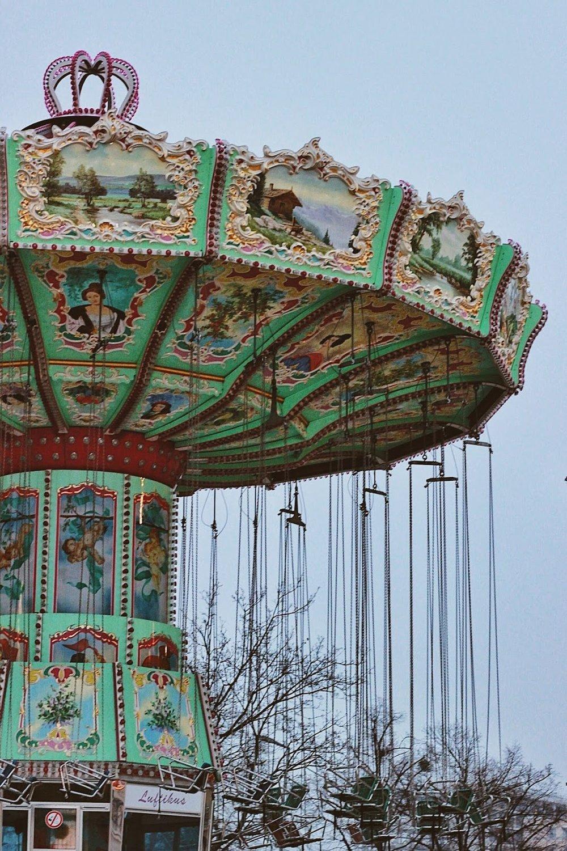 lifesthayle-vienna-prater-carousel.jpg