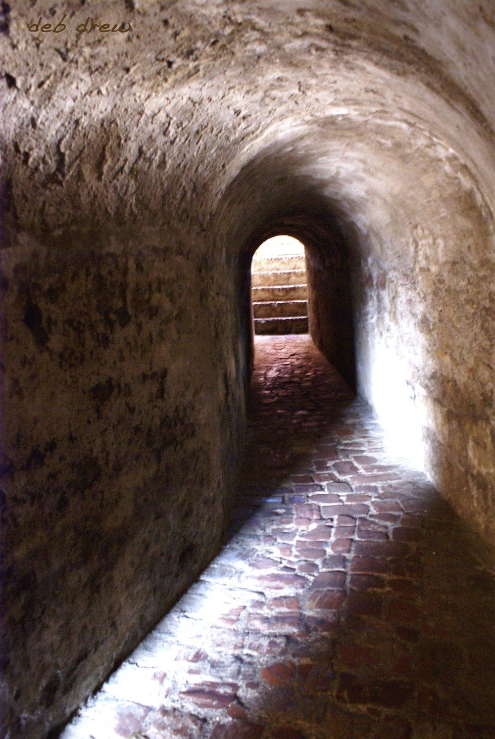 MMAG Tunnel Cartagena w- name 2008 DSC09541_2 copy copy.jpg