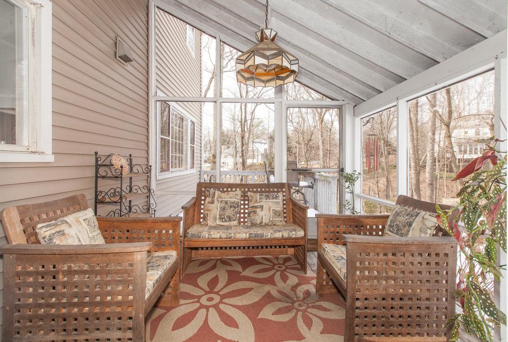 25 porch 1 .jpg