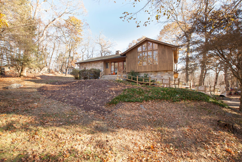 $470,000 - Weston, CT