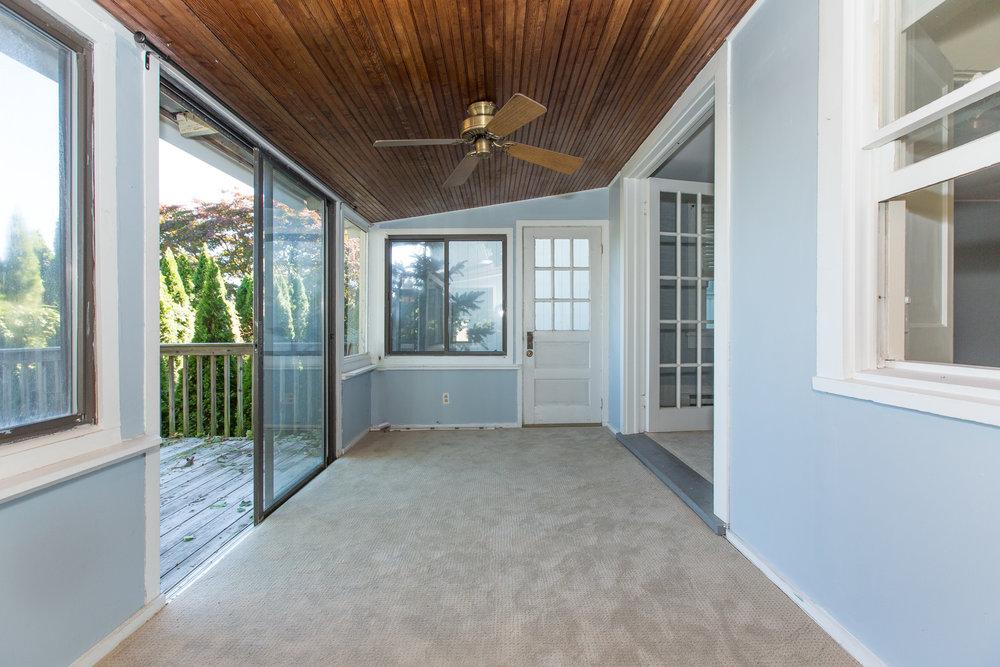 2 porch 3 .jpg