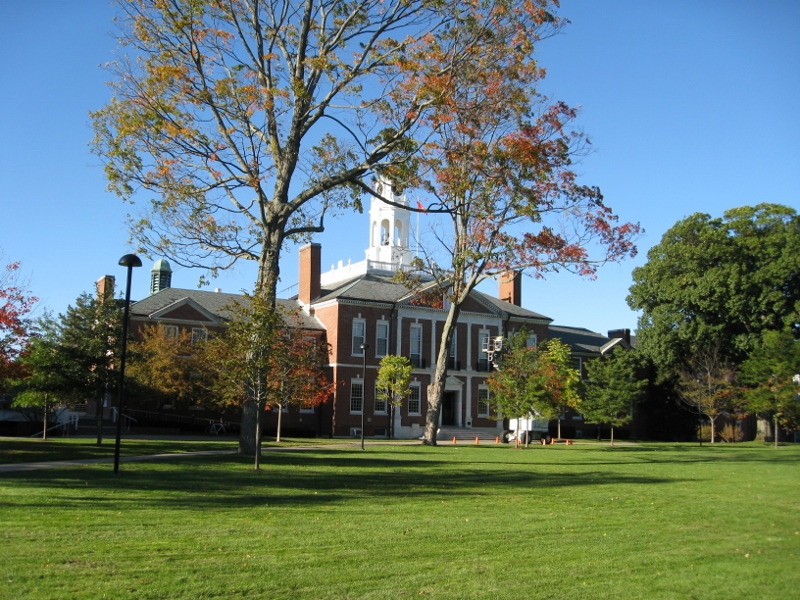 Phillips_Exeter_Academy_building-800x600.jpg