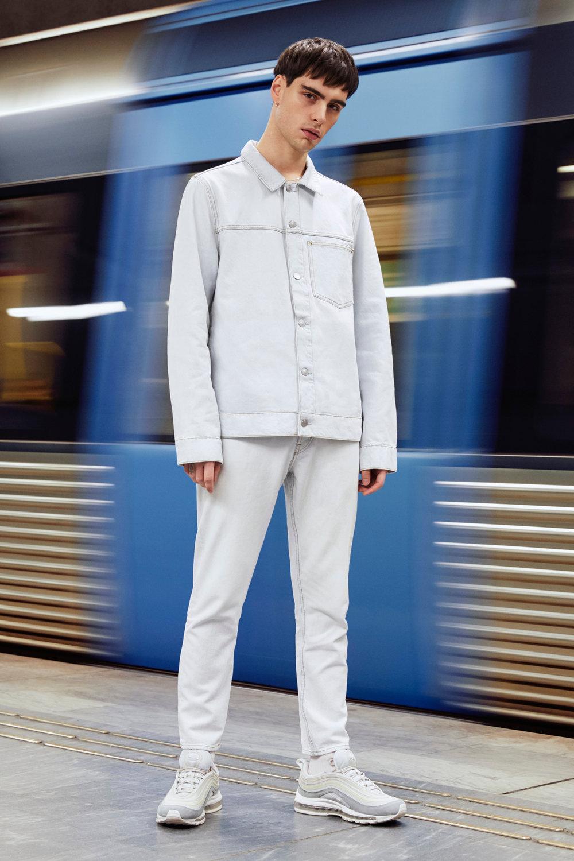 WD_8102_Weekday_Jeans_02_crop.jpg