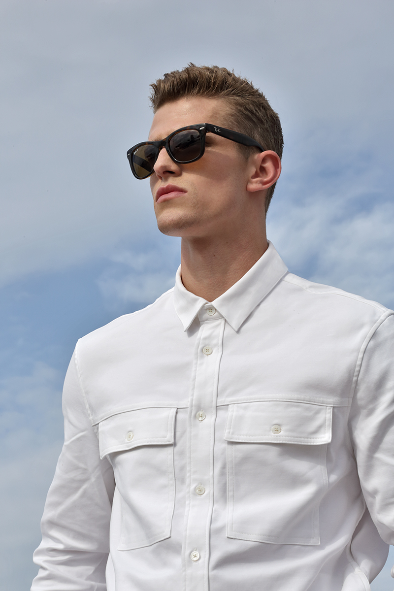 Shirt -  H&M , sunglasses -  Ray Ban