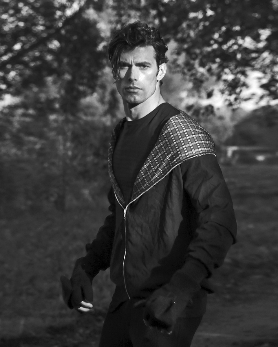 Jacket - Ivy Oxford, trousers -  Emporio Armani , shirt -  H&M , gloves - Brigatti