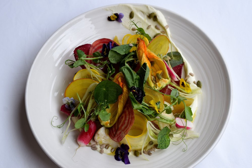 Jones Summer Garden Plate - Photo by Simon Burrell 8.JPG
