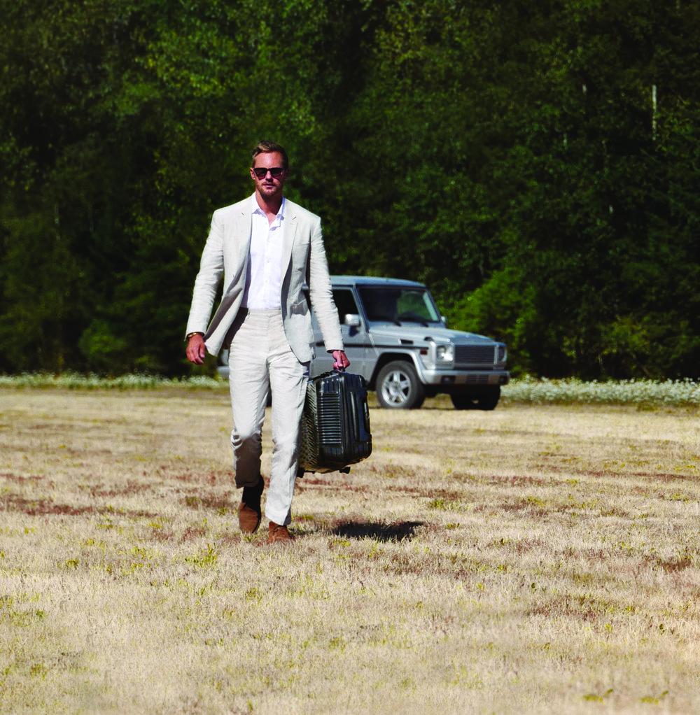 Alexander Skarsgård   - Tumi 1.jpg