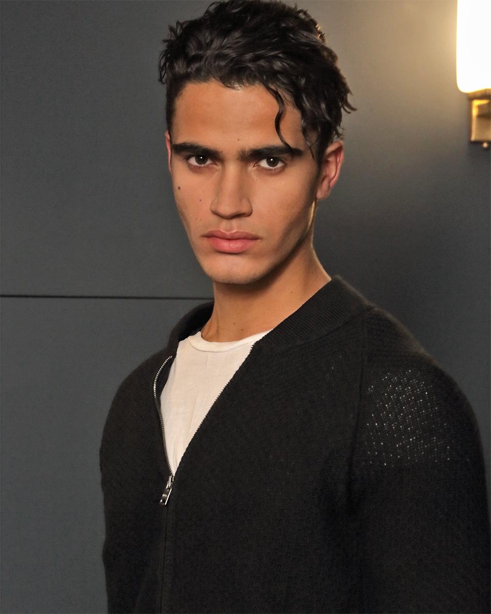 Knit -  Paolo Pecora , T-shirt -  Zara