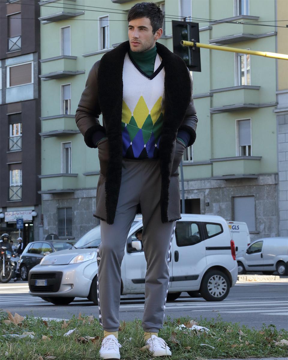 Green turtleneck -  Daks , Sweater -  Ballantyne , Coat -  Gant , Trousers -  Errea , Shoes -  Superga