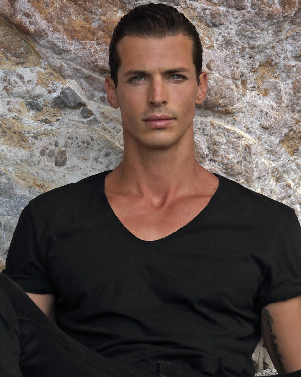 Denim -  Levis , T-shirt -  Zara
