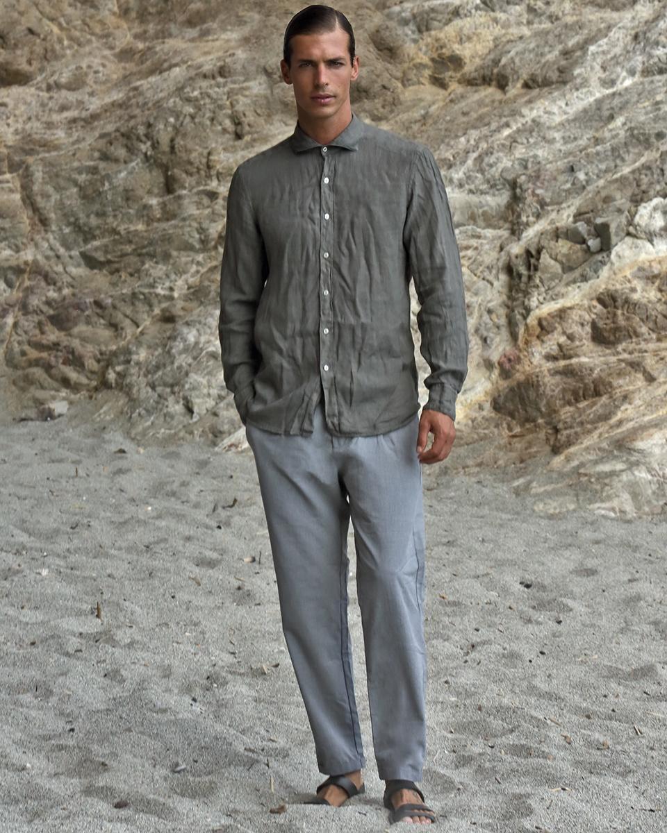 Shirt - Lino Fay, Trousers -  Eleventy . Shoes - RDB sandal Puglia