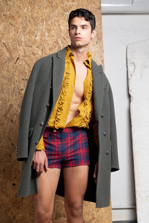 Coat -  Brunello Cucinelli , Shirt and shorts - Archivio Guerrini