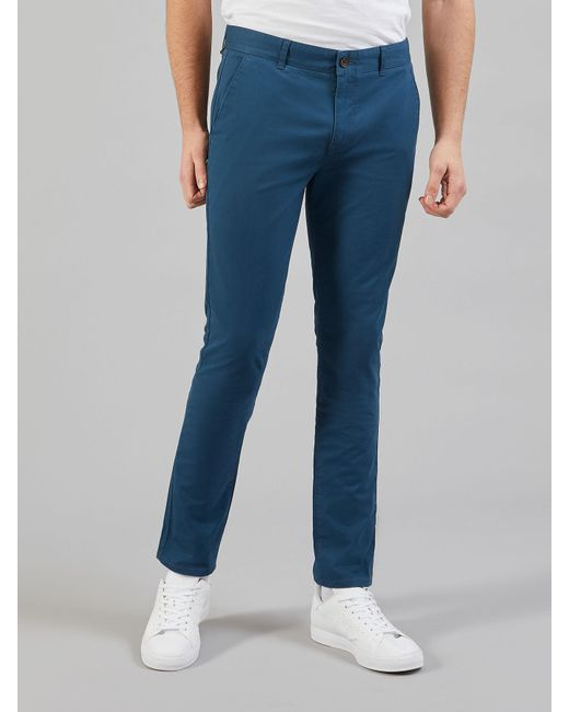 Farah Drake twill chino - £55 - Tailored, yet comfortable, we think that these would look rather nice with the above jacket
