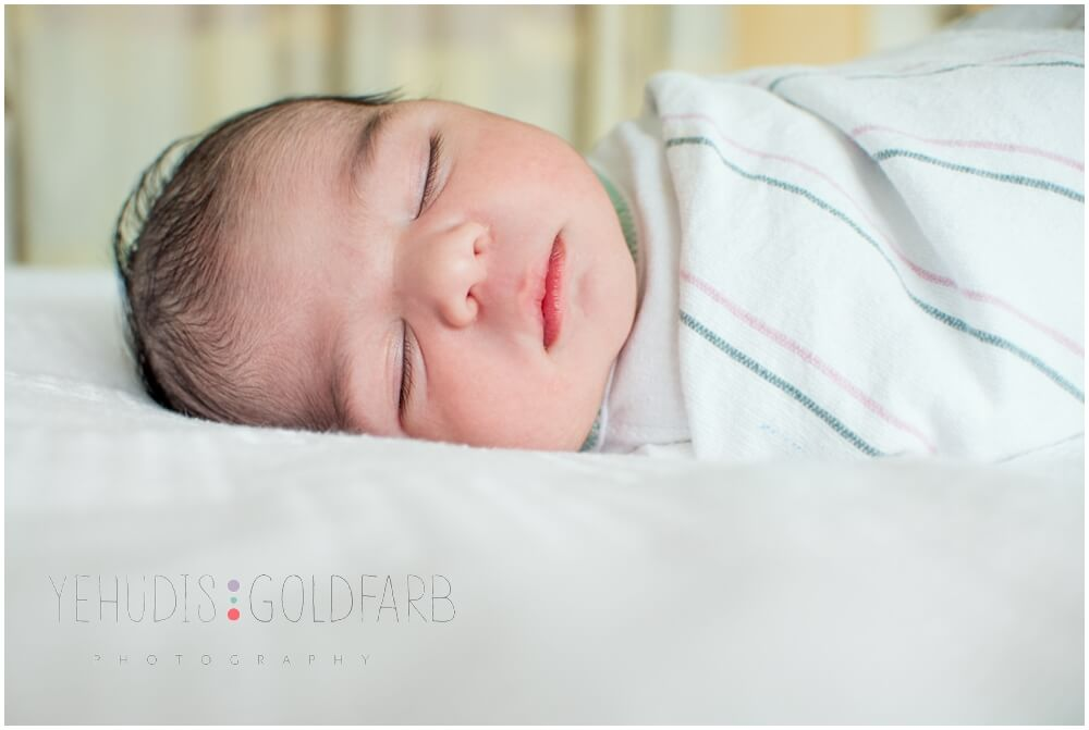 Silver-Spring-MD-Fresh-48-newborn-photography_0116.jpg