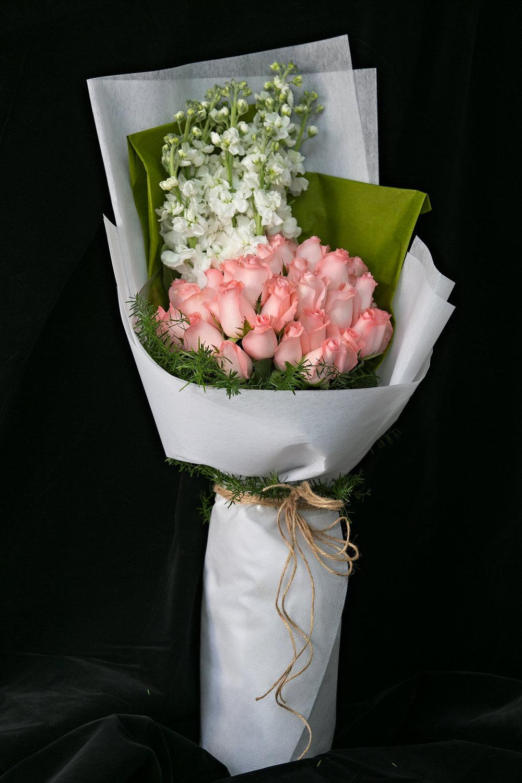 032 / Eosine Pink Flower Bouquet
