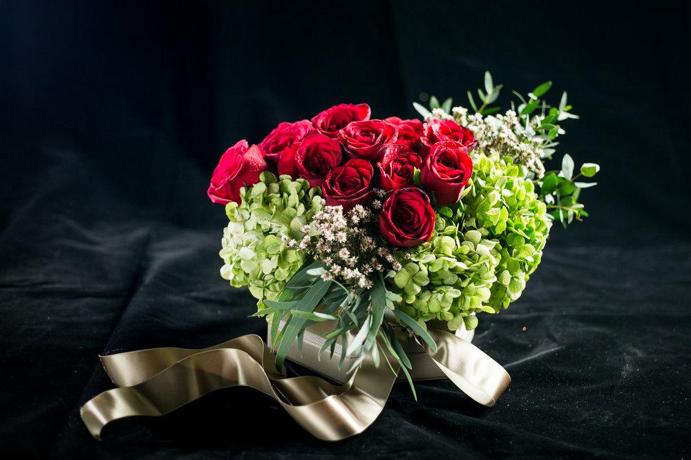 030 / Oil Green Flower Box