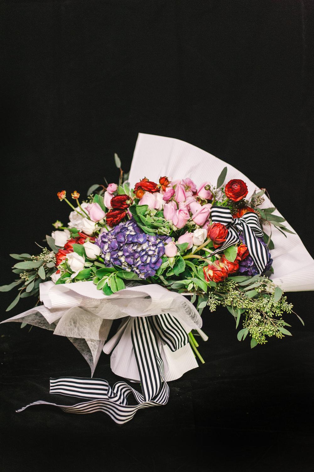 038 / Laelia Pink Flower Bouquet