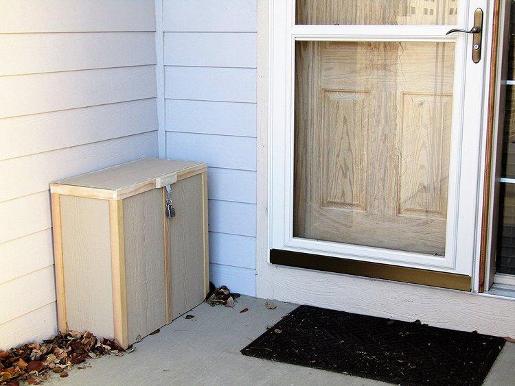 parcel-box-lock.jpg
