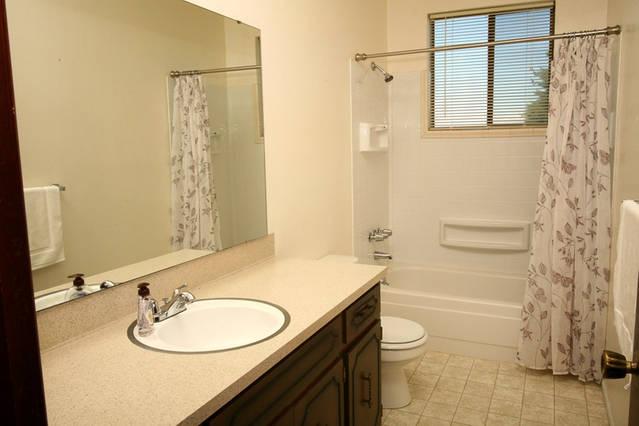 Bath 3406.jpg