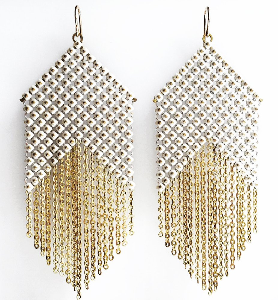whitepoint-fringe-earrings-maralrapp.jpeg