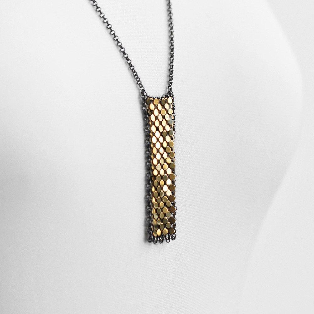 bar-necklace-close-maralrapp.jpg