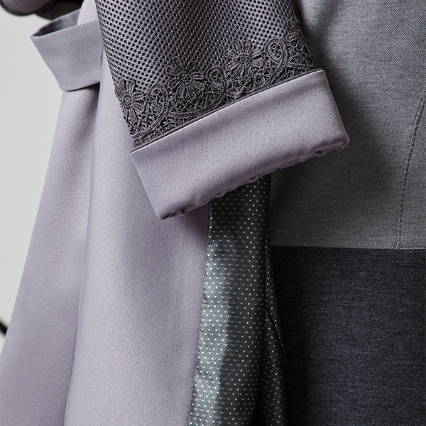 Галерея одежды   Сшитые на заказ пальто, платья, костюмы и другие