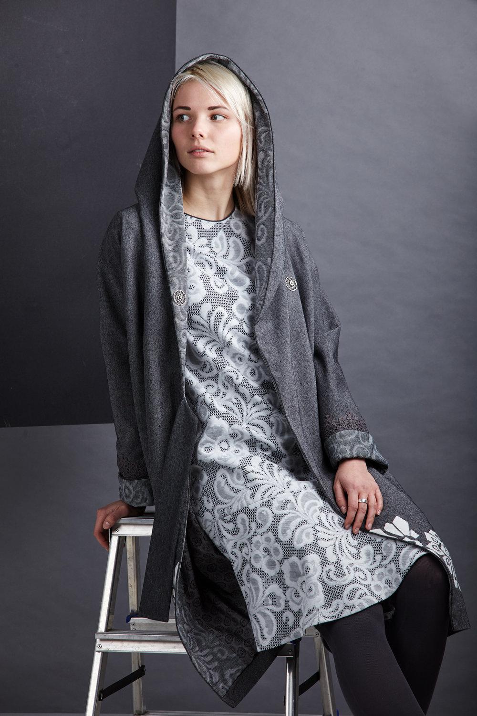 Трикотажный комплект: пальто+ платье.