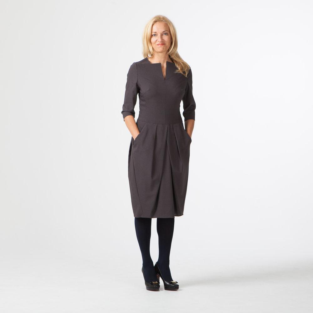 Платье в деловом стиле для Агиты
