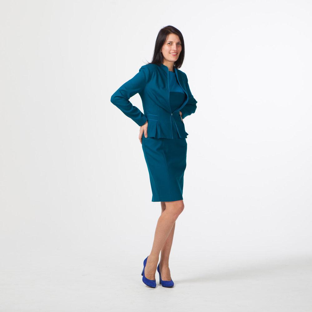 Комплект в деловом стиле: платье + жакет