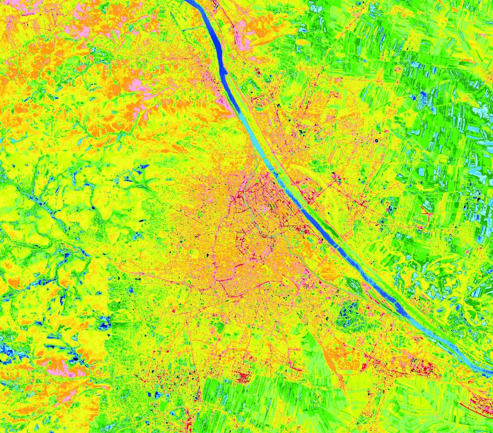 Evening thermal image of the city of Vienna. The hot (red) areas are clearly visible in comparison to the cooler surroundings (blue). ©Vienna Environmental Protection Department. Department 22.