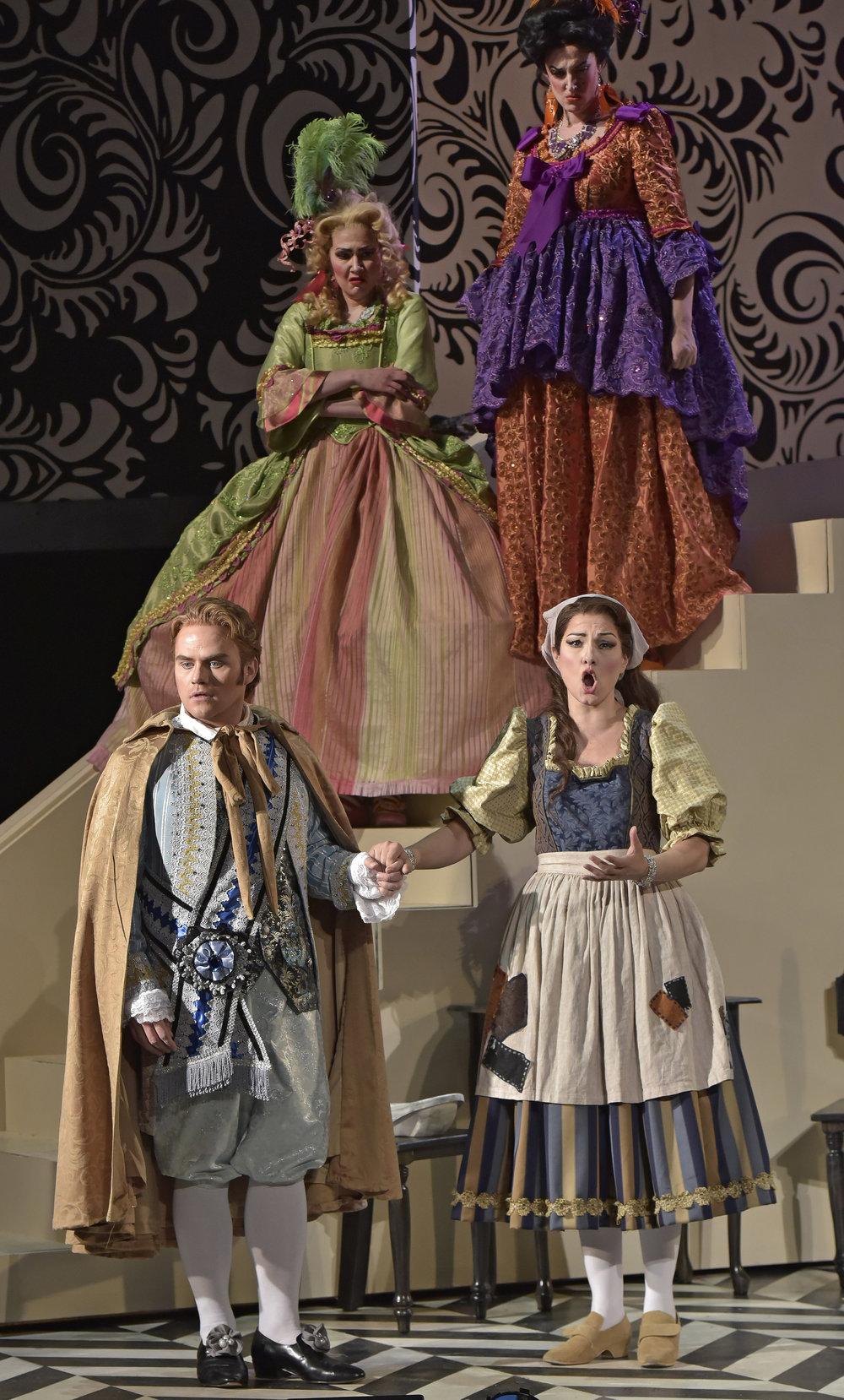 Opera_Saratoga_GG63265.jpg