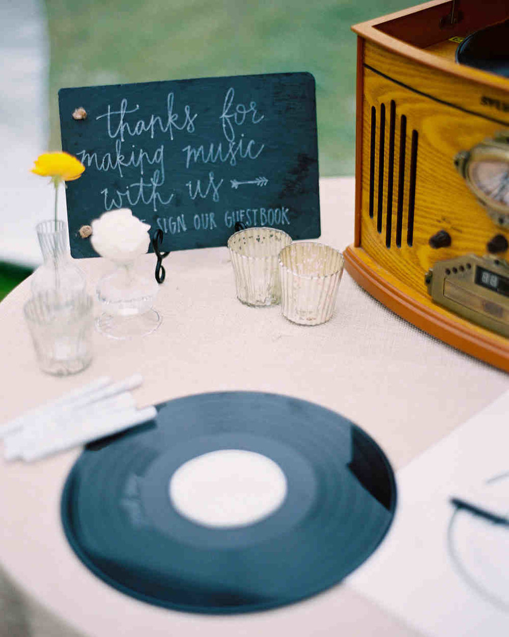 susan-cartter-wedding-guestbook-008446016-s111503-0914_vert.jpg