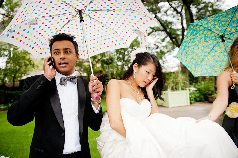 most-memorable-wedding-photos-bride-groom-on-phone.original.jpg