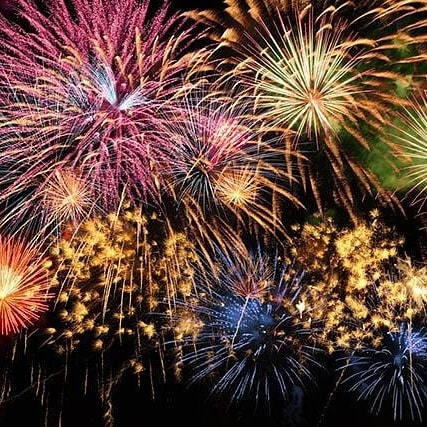 Buzzing for Victoria Park fireworks tomorrow 😁 amazing display and free entry.  We're going to be survering Jacket potatoes  @balconelondon in the village.  Pork Mole and our 5 bean chilli with some tasty home made salsas  on offer.  #fresh #tasty #banging  #victoriapark#e9#popup#fireworks#fireworksdisplay#like4likes#likeforlikes#thevilleage#eastlondon#food#event#winter#warming