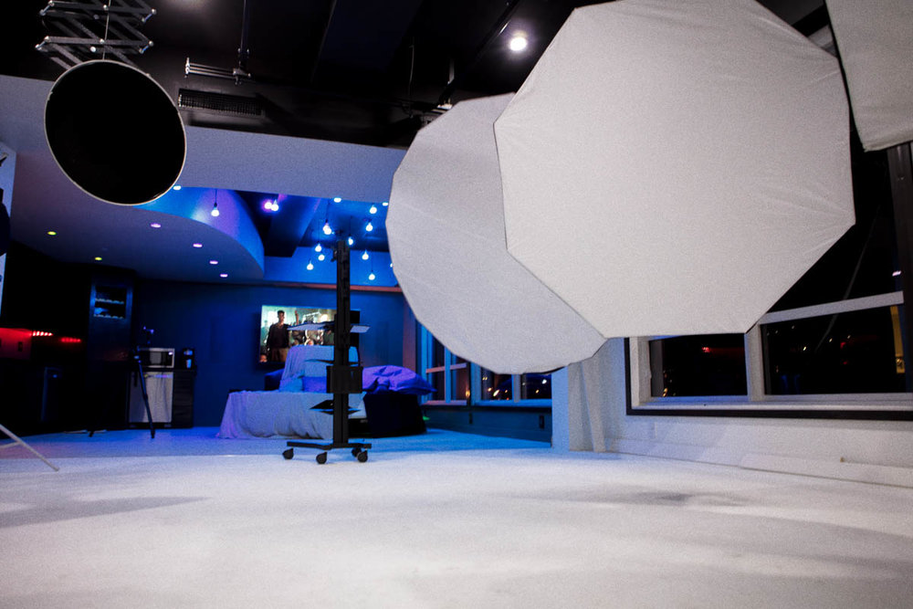 Shooting_Room_Blue_Lights_2.jpg