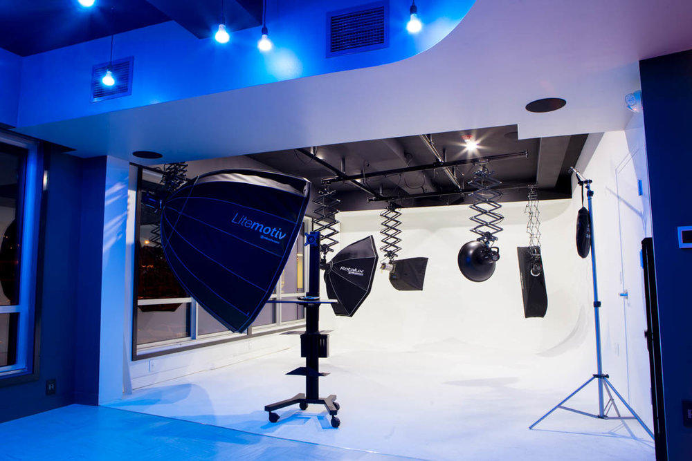 Shooting_Room_Blue_Lights.jpg