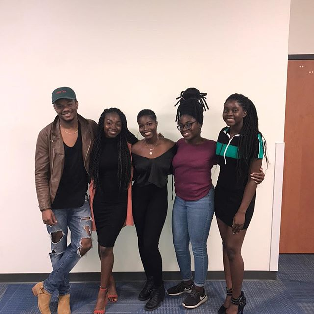 Had the opportunity to go out to the University of Florida and perform/teach a writing workshop for the @uf_bsu thanks to these Queens. Such a great experience, excited for the next.