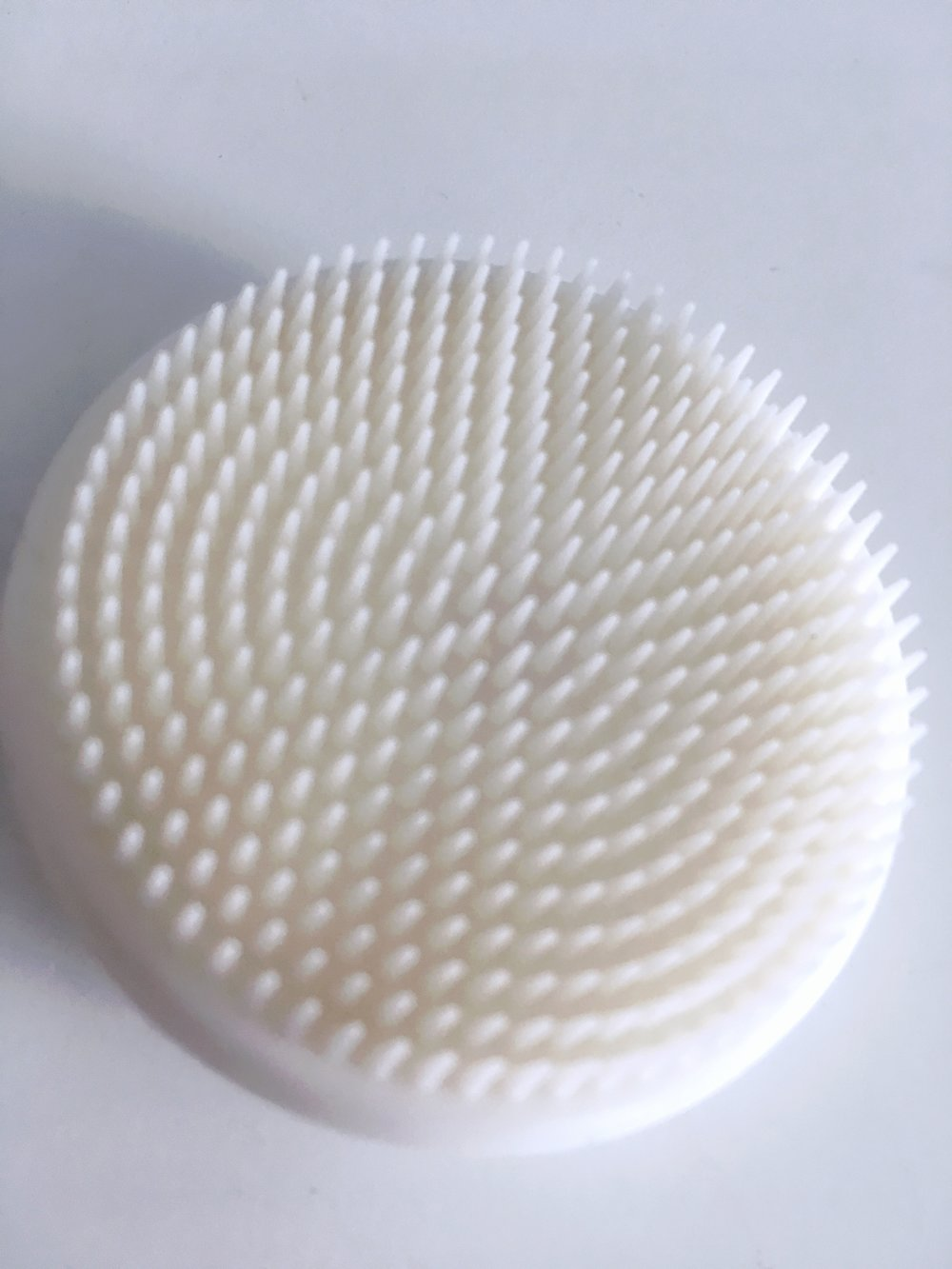 Silicone Brush - Perfect for a gentle deep clean. It doesn't irritate the skin and is perfect for even dry and sensitive skin helps. It helps unclog pores which enhances the absorption of your skin care products. I love using this one to take off my makeup.