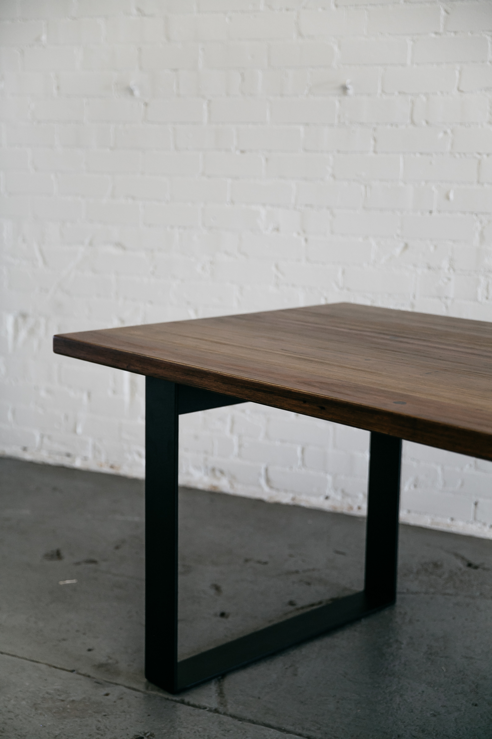 WAMBROOK Dining Table with BOX Base