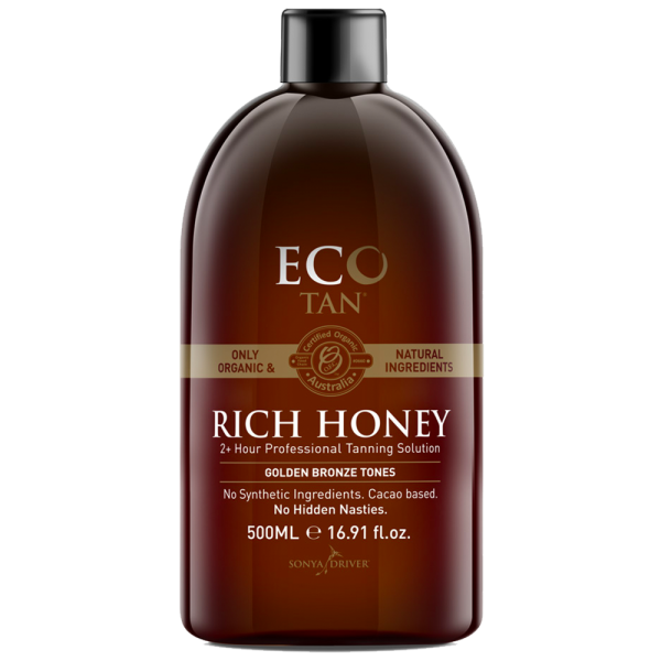 ECO TAN RICH HONEY - Organic, Vegan & Cruelty Free    About:  Rich Honey is an organic spray tan solution. It contains nothing artificial and is free from synthetic ingredients. Instead, it is made with only certified organic and natural ingredients sourced from Mother Nature. Therefore, there are NO synthetic green or orange bases or dyes. Instead it has natural cacao as the bronzer to deliver a gorgeous believable tan. This tan solution is also vegan and cruelty free.   Average length of tan:   With correct tanning preparation and maintenance, your colour will fade naturally and evenly on your skin. As a result this organic spray tan usually lasts between approximately 7-10 days.    Development time:  It has a wash of time of 2+ hours.   Result:  Rich Honey delivers stunning golden bronze tones! It is also super hydrating.   Suitable for:   Dry and sensitive skins. First time tanners.