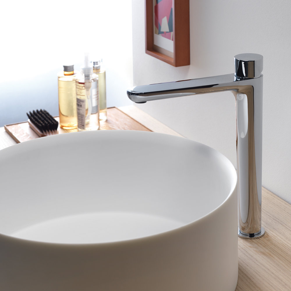 """QE 22251  Available in Chrome color. Accepts indent orders for other colors.  Basin mixer with 1""""1/4 Up&Down waste"""