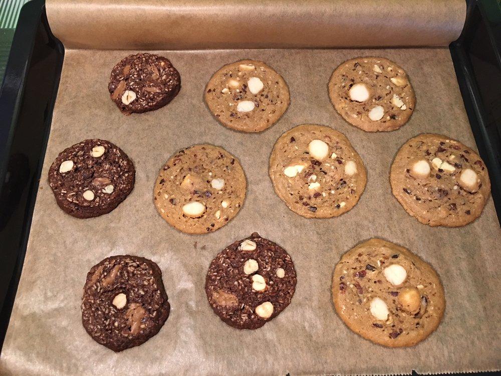 Und warten bis die Cookies ausgekühlt sind. Fertig. Guten Genuss.