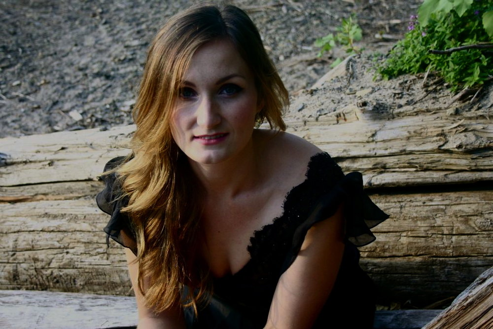 Barcza Blog interviews Meghan  - Leslie Barcza profiles Meghan with 10 Questions about her life, singing, and roles with Opera Atelier