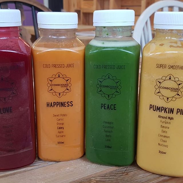 *TASTER EVENING* For all those interested in juice plans come to the kitchen Friday night! whether a quick cheeky detox before the retox in December or January after indulging. I know many of you would like to know what the super healthy juices will taste-like, if so get you arses down to the kitchen Friday night between 6-8 for some freebies 😋🤗 #freebiefriday #juiceplan #healthiswealth #nutritiousanddelicious #naturopathicmedicine