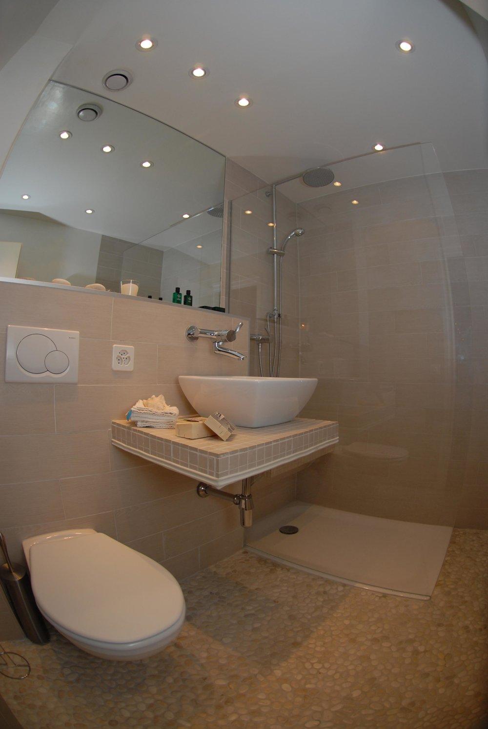 2-Bathrooms-1.jpg