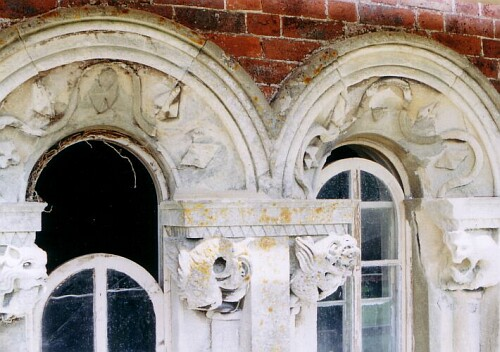 A double archway before restoration...