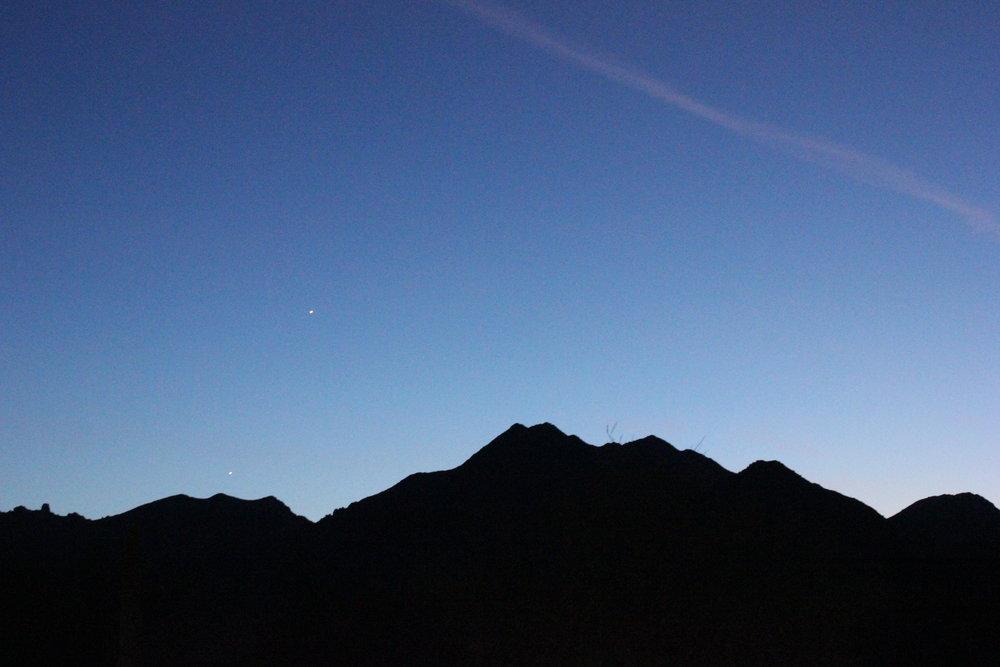 Desert-Dawn-Mountains.jpg