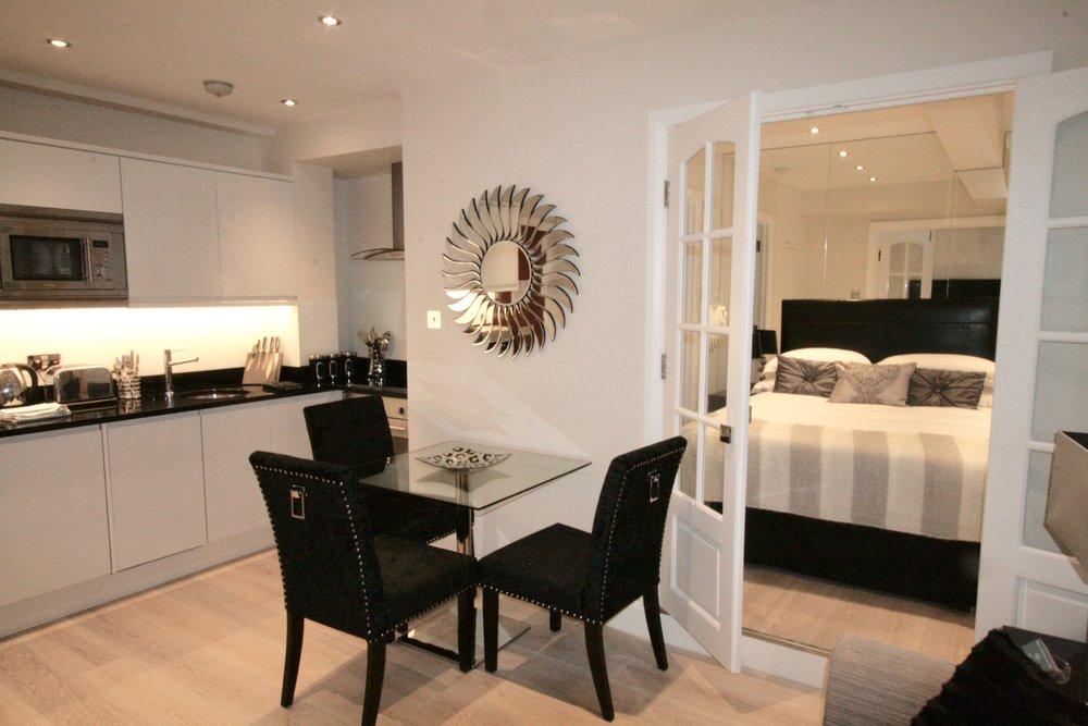 Small One Bedroom - Modern (29).jpg